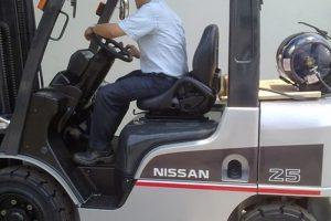 Xe nâng dầu Nissan